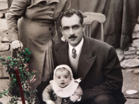 1954 Annem Emine, Babam Enver Ataç ile