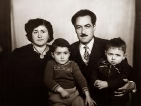 1958 Annem Emine, Babam Enver ve kardeşim Kenan Ataç ile